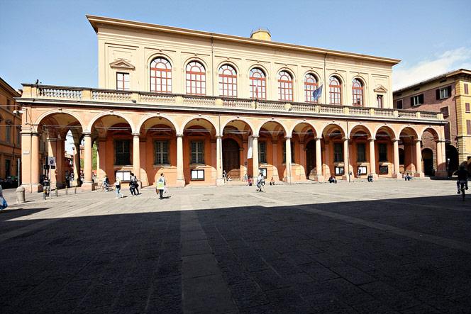 Teatro comunale l 39 opera in casa for Casa comunale