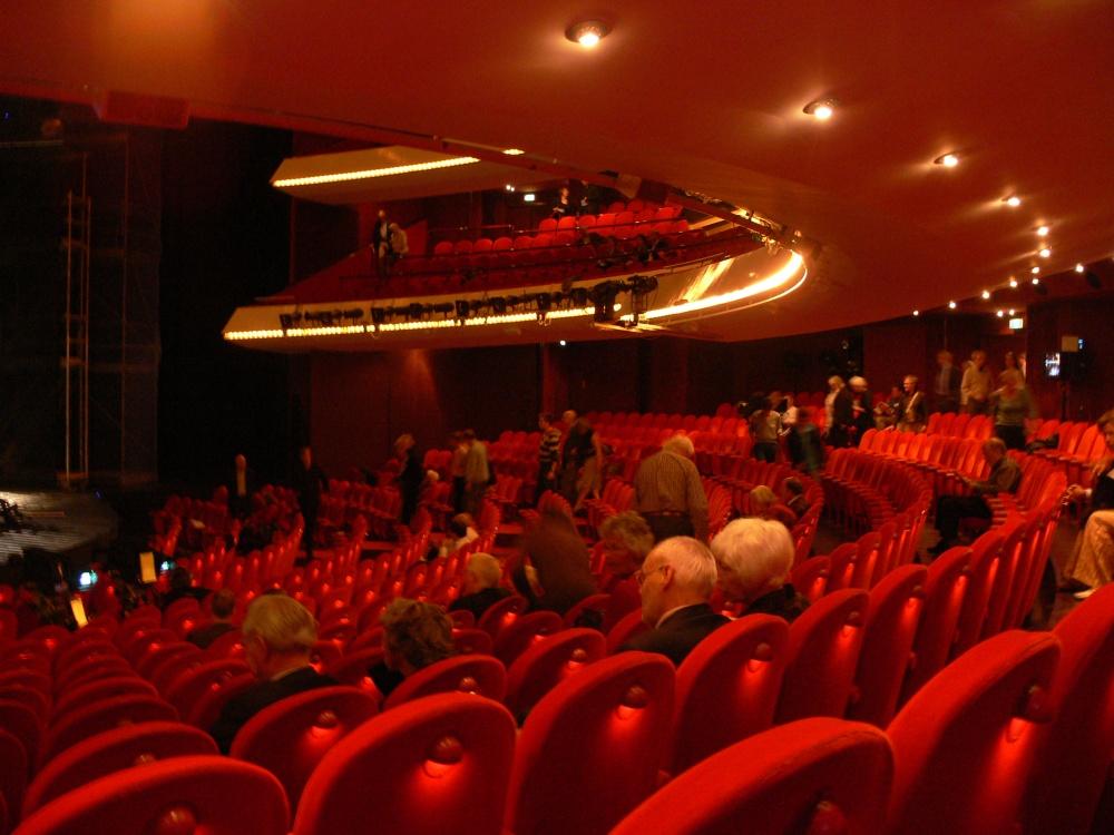Amsterdam_Muziektheater_auditorium