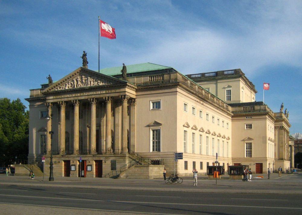 Berlin,_Mitte,_Unter_den_Linden,_Staatsoper_02