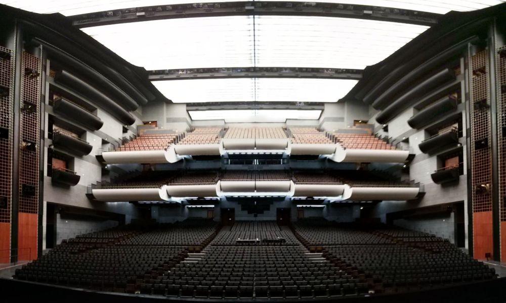 La_salle_de_l'opéra_Bastille_vue_depuis_la_scène