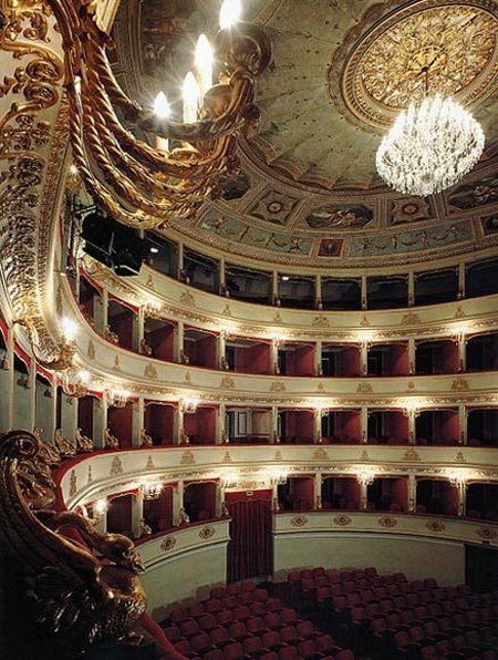 Teatro Pergolesi Jesi.jpg
