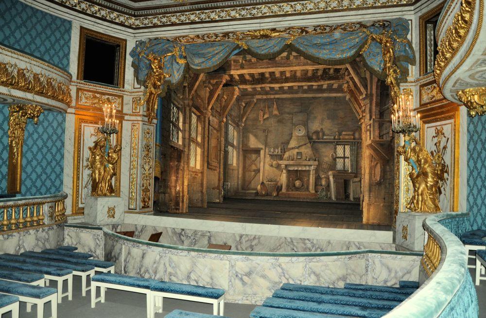 Théâtre_de_la_Reine_-_salle_et_scène