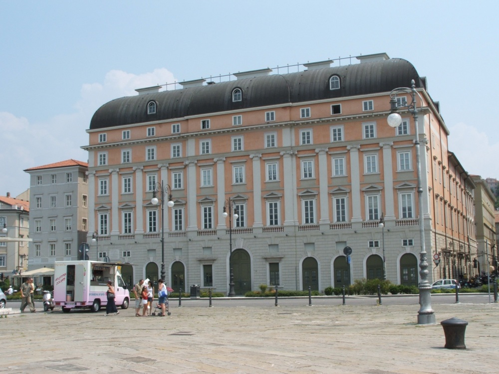 Trieste-Teatro_Verdi-retro-DSCF1418