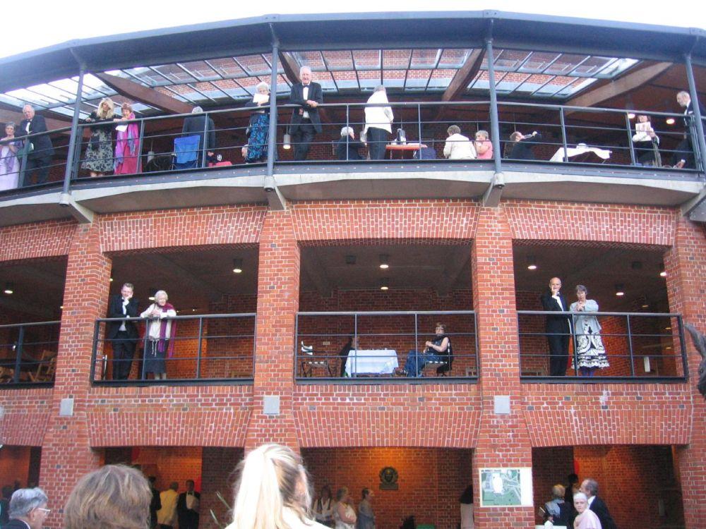 Glyndebourne_opera_house_2007