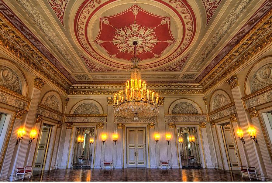 Kaminesky-Blog-Munich-Opera-House-Reception-room.jpg
