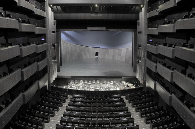 Le-grand-amphi-de-l-Opera_mobile_fullsize