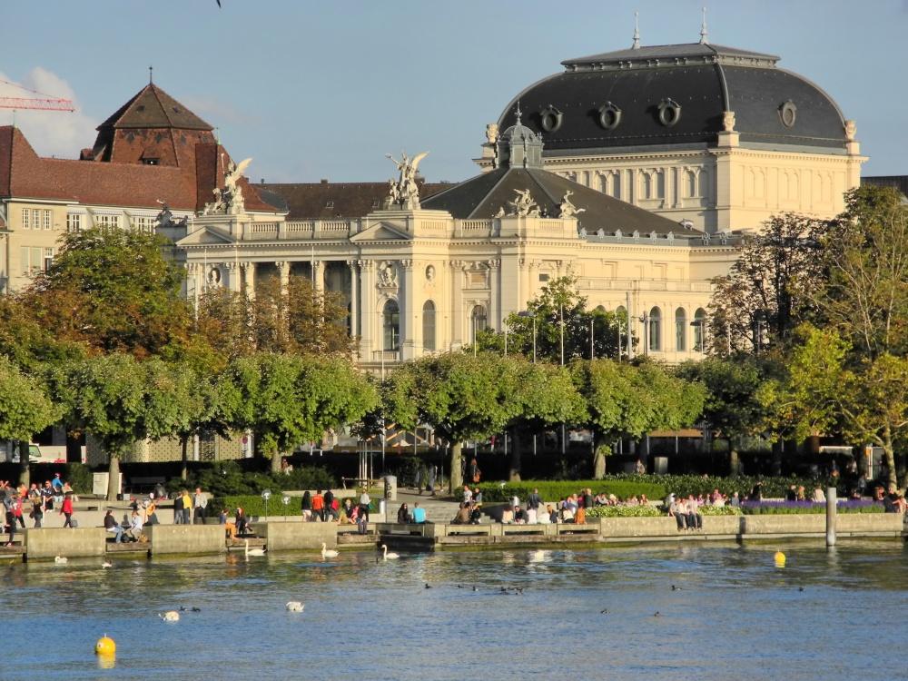 Opernhaus_Zürich_2012-09-15_18-17-51