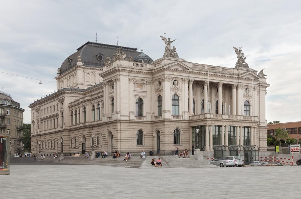 Opernhaus_Zürich_2013