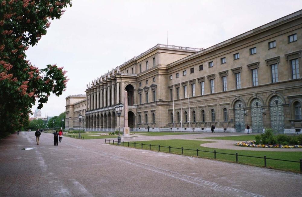 Residenz_Ansicht_Hofgarten,_München