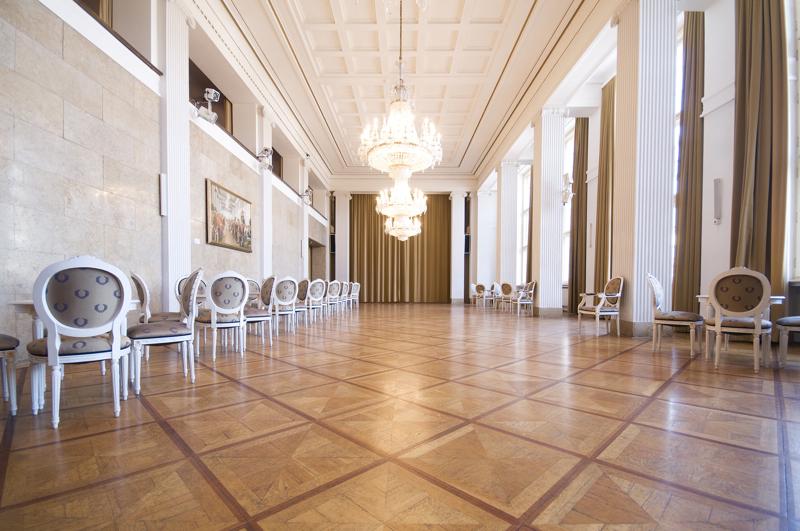 05.2010 / Weimar / Spielstätten DNT / Foyer I / Deutsches Nationaltheater / Foto: Thomas Müller / freier Bildjournalist  *** Local Caption *** Veröffentlichung ist honorarpflichtig und nur unter Nennung des Autors! Bei Veröffentlichung bitte ich um ein Belegexemplar! Kontakt: Thomas Müller | Dichterweg 13 | 99425 Weimar | Deutschland | Tel: +49 (0) 173 38 03 329 | web:   www.taikrixel.net | email: info@taikrixel.net  Honorar an: Sparkasse Mittelthüringen | KontoNr.: 13 85 01 67 16 | BLZ: 820 510 00 | Finanzamt Jena | SteuerNr. 162 / 251 / 13622
