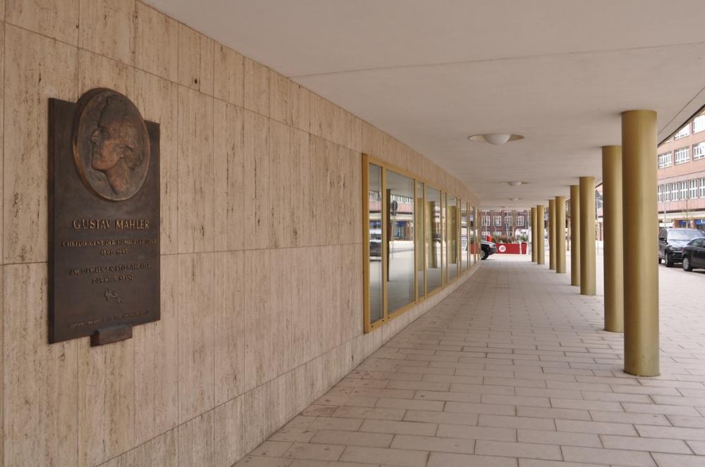 Hamburgische_Staatsoper_(Hamburg-Neustadt).Mahler-Plakette.Lage.ajb