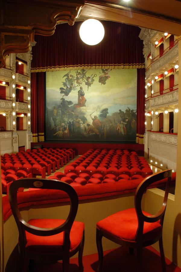 Sala_Teatro_Alfieri_Asti_dalla_Barcaccia