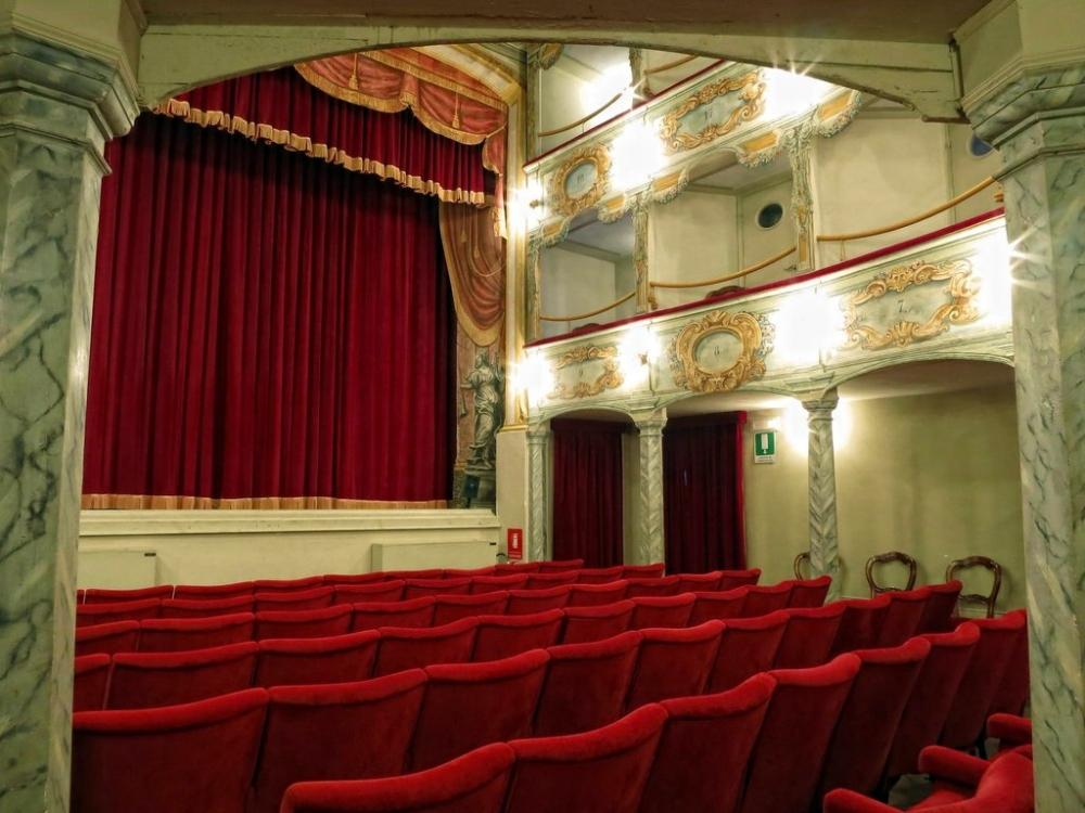 teatro-flora-penna-san-giovanni-marche