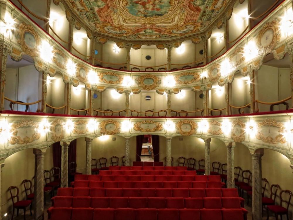 teatro-flora-penna-san-giovanni