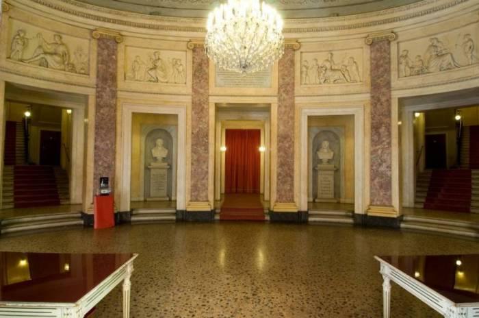 teatro-comunale-luciano-pavarotti-modena-12_IM15192