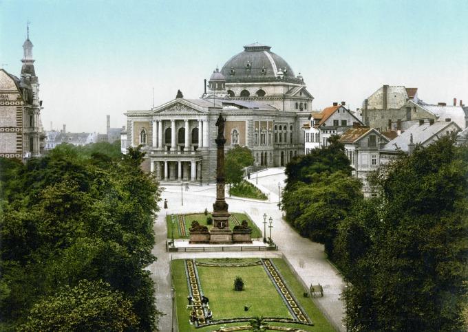 Halle_Saale_Stadttheater_Promenade_1900