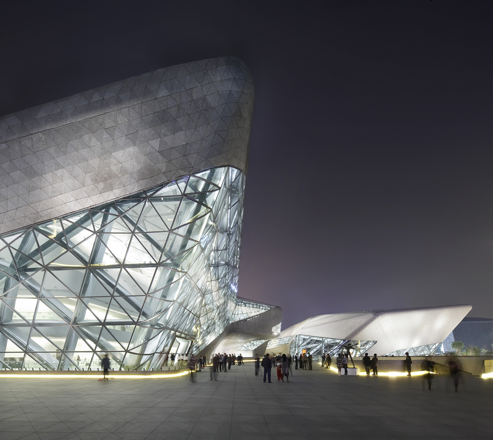 Guangzhou_Opera_House_Zaha_Hadid_Architects_main
