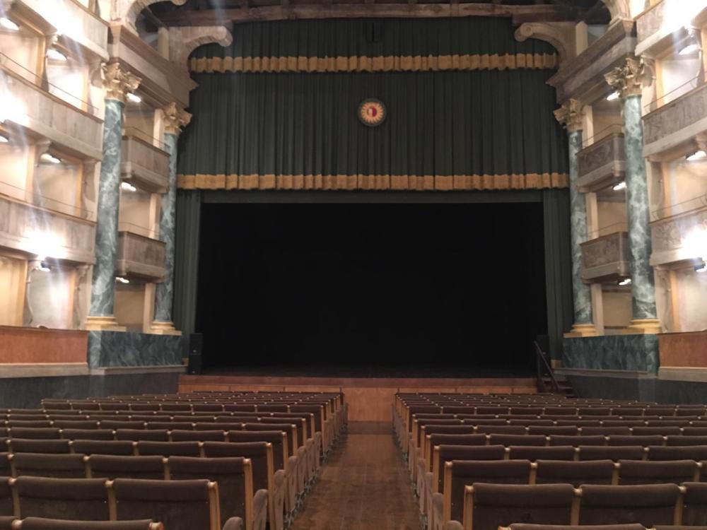 302-Teatro-Sociale-visione-dinsieme.jpg