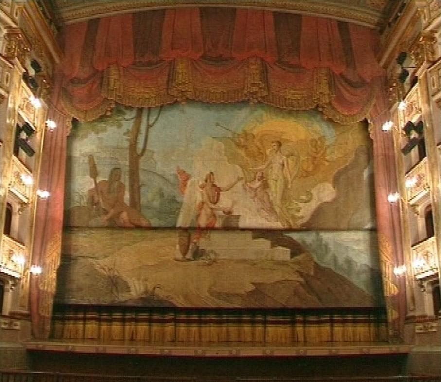 FERMO-46-teatro-dellaquila.jpg