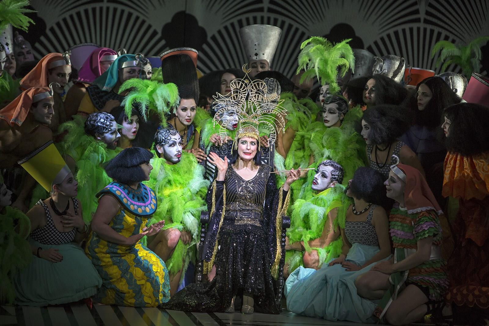 Die Perlen Der Cleopatra Komische Oper