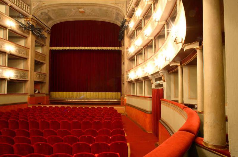 teatro_interno_03