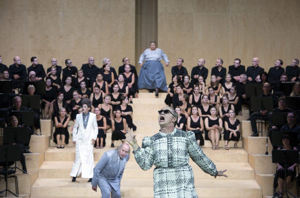 Bassariden-Komische-Oper-2019-004-c-Monika-Rittershaus.jpg
