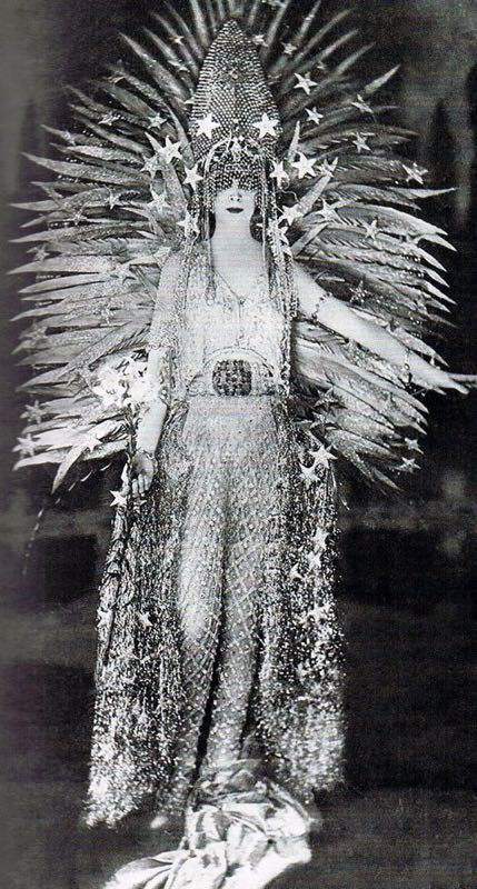 Luisa Casati nel 1922 – Fotografo sconosciuto