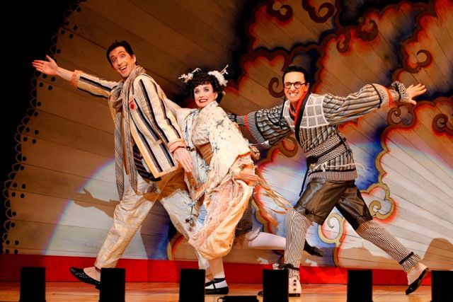 opera-australias-the-mikado-ma11-photo-jeff-busby_454_2-1