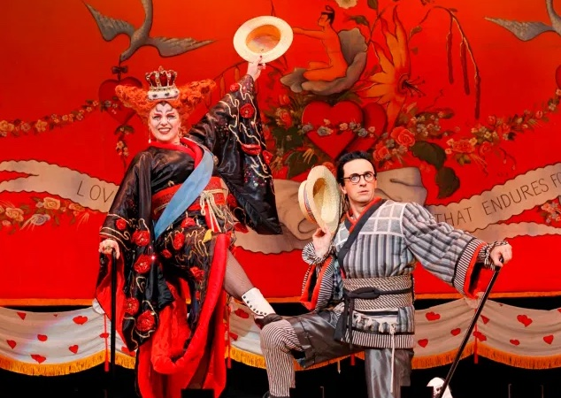 Opera-Australias-THE-MIKADO-MA11-photo-JEFF-BUSBY_604.jpg copia
